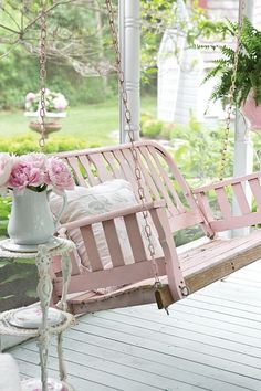 Shabby Chic Garden - The Cottage Journal