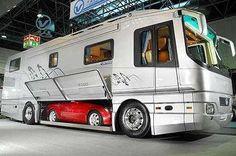 Luxury Motor Homes - Newell Motor Coaches Look Like Million Dollar Homes (GALLERY)