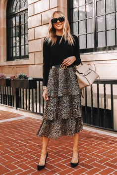 How to Style A Leopard Skirt, How to Wear Leopard Leopard Skirt Outfit, Skirt Outfits, Casual Outfits, Fashion Outfits, Work Outfits, Casual Dresses, Ruffle Skirt, Midi Skirt, Professional Wardrobe