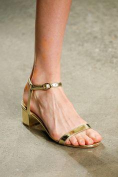 Mansur Gavriel Spring 2018 Ready-to-Wear Collection - Vogue Модне Взуття ca971b410f2bc