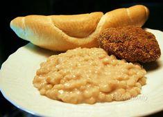 Tento prívarok je sýty a chutný nielen k obedu, napríklad s údeným mäsom, opekaným špekáčikom, alebo fašírkou. Je dobrý aj na desiatu, či sýtejšie raňajky napríklad s volským okom a opraženou slaninkou. Ak vám náhodou ostal kvások, kľudne ho na zahustenie použite :) Quinoa, Macaroni And Cheese, Meals, Cooking, Ethnic Recipes, Desserts, Food, Eastern Europe, Polish