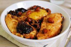Pollo con prugne e mandorle