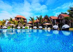 Maritim Crystals Beach Hotel Mauritius- Pool #maritim #maritimcrystalsbeachhotelmauritius #travel #mauritius