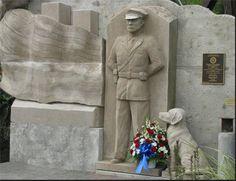 National Police Defense Foundation Memorial  Unveiling - September 11, 2011  Sculpted by Franco Minervini