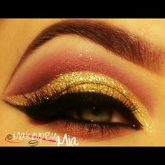 A glamorous girly look for new years. The glitter with the pink eye makeup is stunning! Pink Eye Makeup, Love Makeup, Hair Makeup, Makeup Ideas, Makeup Tips, Make Me Up, Eye Make Up, Eyeshadow Designs, House Of Lashes