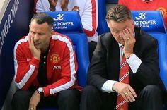 Niewyspani Ryan Giggs i Luis Van Gaal • Manchester United • Zabawna fota szkoleniowców Man Utd • Wejdź i zobacz śmieszne zdjęcie >>