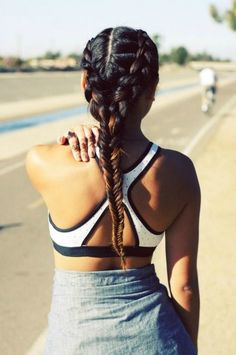 12 Ways to Style Your Hair Post-Workout 12 Ways to Style Your Hair Post-Workout – Farbige Haare Workout Hairstyles, Hairstyles Haircuts, Pretty Hairstyles, Braided Hairstyles, Sporty Hairstyles, Hairstyle Ideas, Back To School Haircuts, Fall Hair Cuts, Gents Hair Style
