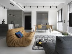 Gallery of Chiang House / 2BOOKS design - 2