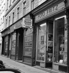 B/W The Other Side, Vienna