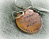 Personalized Keychain - Grandma Keychain - Grandma's Love is Endless - Mommy Keychain - Nana Keychain - Mamaw - Grandma Gift - Mom Gift