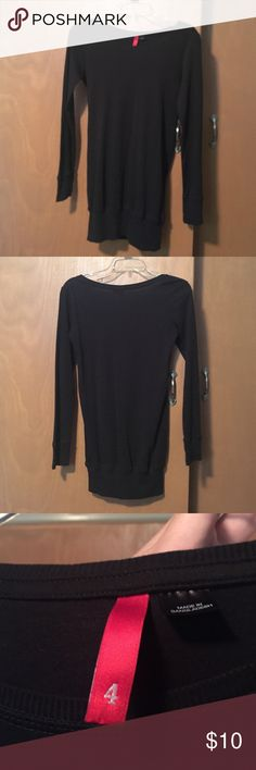 Long sleeve shirt/ tunic This shirt is perfect with leggings. It's a size for but fits more like a xs/s. There is a very small as seen in the last photo, might be able to get it out with shout spray in the wash. H&M Tops Tunics