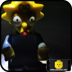 Emmmmmm ups!! www.legofotos.com 2015 Lego Fotos Fotografía: @PPlotzin  #suculentas y #deliciosas #fotos  #nikon #legophotography #legovideos  #disney #legostagram  #legominifigs #brickfans #creative #legos #bricks #art #bricknetwork #toy #build #creation  #minifigure #minifigures  #legoland  #ig_santanderes #simpsons #lisa #bebe #maldito by legofotos_
