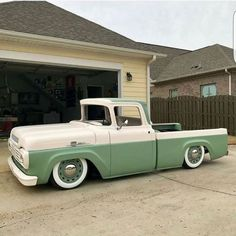 pictures of rat rod trucks Old Ford Trucks, Old Pickup Trucks, Hot Rod Trucks, Diesel Trucks, Lowered Trucks, Lifted Trucks, Dually Trucks, Lifted Ford, Ford Ranger Truck