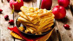 Palacinky s karamelovými jabĺčkami   Recepty.sk Mexican Food Recipes, Diet Recipes, Snack Recipes, Healthy Recipes, Snacks, Ethnic Recipes, 20 Min, Biscotti, Apple Pie