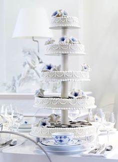 royal copenhagen inspired cake from la glace
