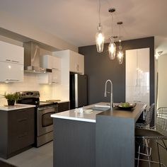 Online shopping from a great selection at Home Store. Kitchen Layout Plans, Chris Kitchen, Cuisine Design, Kitchen Remodel, Kitchen Decor, Modern Kitchen, Small Space Kitchen, Kitchen Layout, Smart Kitchen