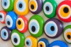 evil coloured eyes.....:) Eye Painting, Pebble Painting, Pebble Art, Stone Painting, Stone Crafts, Rock Crafts, Evil Eye Art, Hamsa Art, Homemade Art
