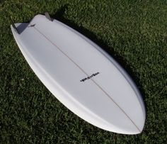 George with his knee board, the spoon with the edge. In 20011 and inspired by the Greenough spoon I saw at the Gold Coast Surf Mus. Fish Surfboard, Surf Shack, Bullet Jewelry, Surfs, Beach Bum, Gold Coast, Fish Fry, Surfboards, Design