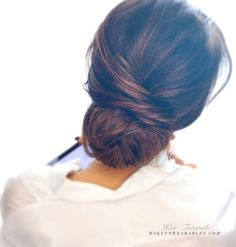 Easy messy bun updo hairstyle for medium long hair t