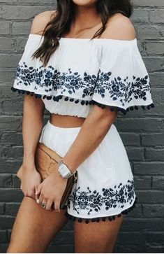 blusas-de-moda-con-hombros-descubiertos (6) - Beauty and fashion ideas Fashion Trends, Latest Fashion Ideas and Style Tips