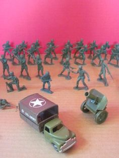 Vintage Green Army Men Lot Soldiers Tanks Friction Vehicles Japan 1970's Toys | eBay