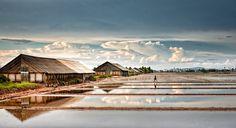Quando il cielo si specchia nella terra - Salt fields in Kampot, Cambodia