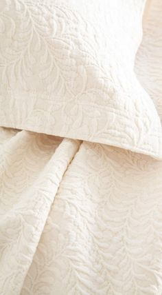 Scramble Matelasse Coverlet in Ivory