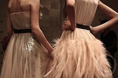 plumes and tulle-stunning Pure Couture, Feather Skirt, Tulle, Simple Outfits, Passion For Fashion, Editorial Fashion, Marie, Wedding Hairstyles, Feminine