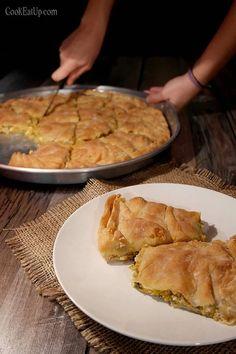 Κολοκυθόπιτα αλμυρή με κίτρινη κολοκύθα ⋆ Cook Eat Up! Savory Pastry, Savory Tart, Sweets Recipes, Cooking Recipes, Pizza Tarts, Macedonian Food, Best Bread Recipe, Greek Recipes, Cooking Time
