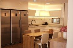 삼성냉장고 - 냉동고, 냉장고, 김치 냉장고 3총사  근데 저렇게 3개 합쳐도 일반 대형 냉장고 1개의 크기와 비슷....