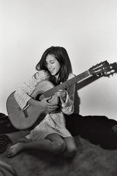 Seychelle Gabriel, master minstrel pianist guitarist and singer. Plus f-ing hot.