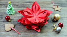 DIY: Video tutorial which show you how to folding napkin into christmas star.
