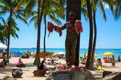 Greeting those who visit Waikiki Beach. Oahu Beaches, Waikiki Beach, Good Ol, Duke, Peacocks
