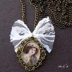 Vintage Resin Lady Portrait with lace! Here is how I did it! (in Greek and English)