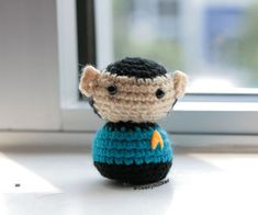 OH so CUTE!!!! Spock Doll - Free Amigurumi Pattern here: http://www.instructables.com/id/Live-long-and-prosper/