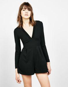 Descubre las últimas tendencias en Vestidos en Bershka. Entra ahora y encuentra 180 Vestidos y nuevos productos cada semana