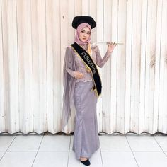 Images may contain: 1 person standing Dress Muslim Modern, Muslim Prom Dress, Hijab Evening Dress, Hijab Dress Party, Kebaya Modern Hijab, Model Kebaya Modern, Kebaya Hijab, Kebaya Muslim, Gaun Dress