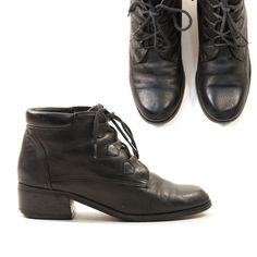 90s Lace Up Ankle Boots in Black Leather / Women's by nickiefrye, $34.00