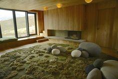 Interior, LIvingstones, Grass Carpet