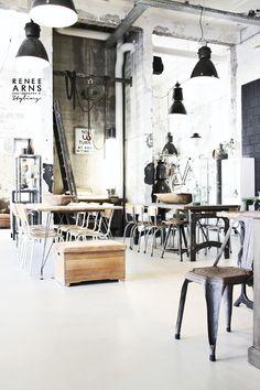 +++++ https://www.facebook.com/pages/Renee-Arns-Stylist-interior-designer/567493196653408