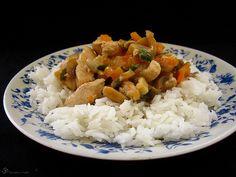 Kuracie s mrkvou a sampinonmi v syrovej omacke Carrots, Indie, Grains, Rice, Onions, Spring, Onion, Carrot, Korn