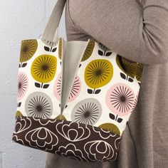 The Pleated Time Warp Tote Free Sewing Project by Sherri Sylvester for Cloud9 Fabrics