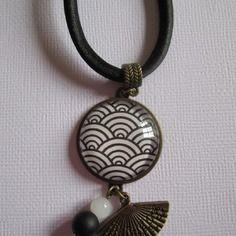 """Collier """"vagues japonaises"""", cabochon bronze, bijou fantaisie"""