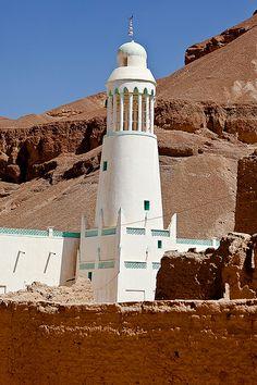 Minaret in a village in the wadi Doan, tribal region Hadramawt, Yemen by anthony pappone
