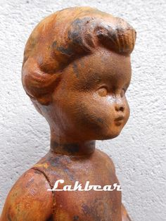 Lakbear has shared 1 photo with you! Diy Recycle, Recycling, Statue, Photos, Art, Art Background, Pictures, Kunst, Performing Arts