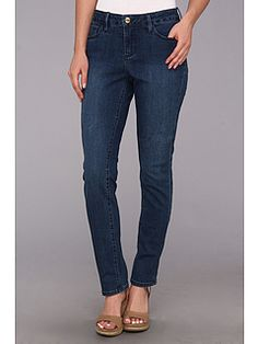 Sophia Skinny Jean: Christopher Blue does a great job of keeping the styles updated and modern, in  a relaxed fit, like this skinny jean in a great neutral wash. Perfect for weekends – all year round.