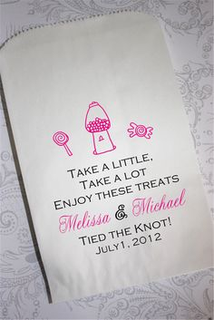 Candy buffet bags as a cute wedding guest gift idea! Candy Bar Wedding, Wedding Favors, Wedding Reception, Our Wedding, Dream Wedding, Wedding Stuff, Candy Buffet Bags, Candy Table, Candy Bags