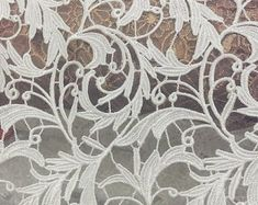 CRAFT-SEWING-LACE 3mtrs x 28mm Beige//Flesh Fancy Design Stretch Lace