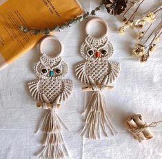 Macrame Owl, Macrame Knots, Micro Macrame, Macrame Wall Hanging Patterns, Macrame Patterns, Art Macramé, Owl Wall Art, Small Owl, Macrame Design