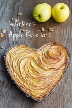 This Valentine's Apple Rose Tart recipe teaches you how to prepare a beautiful and healthy nut flour apple pie with a lot of love for someone very special!